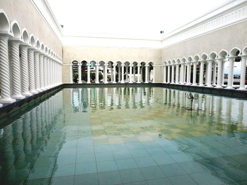 sultan-omar-ali-saifuddien-mosque-15