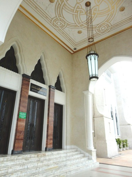 sultan-omar-ali-saifuddien-mosque-32