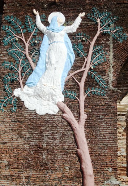 Huge relief retelling how the statue of Our Lady of Assumption was found on top of a tree
